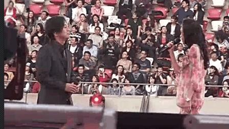 莫文蔚 & 张洪量鸟巢演唱《广岛之恋》 现场真的好壮观啊