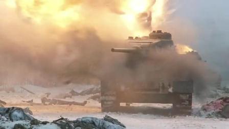 《斯大林格勒战役》德残军用炸弹炸毁坦克,阻止俄军大