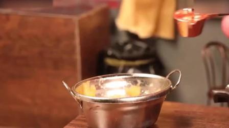 西点烘焙教程迷你香蕉饼, 应该挺好吃巧克力慕斯蛋糕制作方法