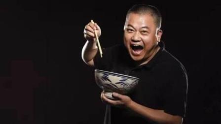 《舌尖上的中国》总导演陈晓卿分享到餐馆怎么点菜_会点菜 吃遍天