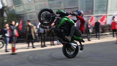 国产最新摩托车, 售价近3万, 引国内魔友圈热议