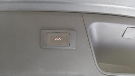 雪铁龙DS6 加装畅翼双杆电吸电尾门视频效果