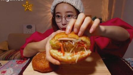 韩国吃播: 欧尼吃两个不同口味的蔬菜面包+牛奶