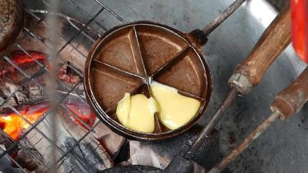 越南街头食品 - 小模具烤制的蛋糕和华夫饼 - 越南胡志明