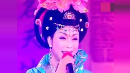 李玉刚现场版《女儿情》, 感染全场观众, 声线真美