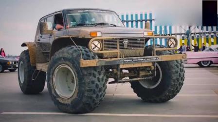 更换了大脚轮胎的拉达尼瓦越野车