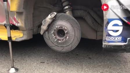 WRC这换轮胎的速度, 拉力赛车在大街上换轮胎