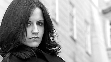 卡百利乐队主唱德洛丽丝1月15日在伦敦去世 年仅46岁