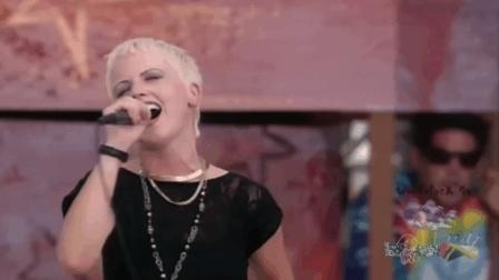 小红莓乐队《Dreams》现场版, 王菲曾翻唱为《梦中人》!