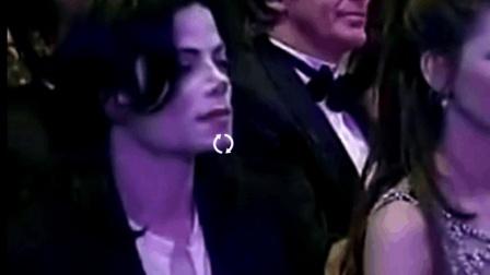 能让迈克尔杰克逊在台下安静的像个孩子一样 也只有中国的歌神了