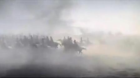 《战争与和平》两军骑兵冲锋交战,炮兵发起多轮进攻