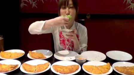 日本大胃王: 吃货木下妹子挑战吃15份越南料理菜包薄脆饼蘸鱼露汁
