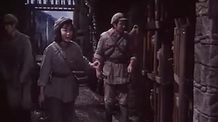 《大渡河》红军战士不辞辛苦,解救受苦彝族老百姓