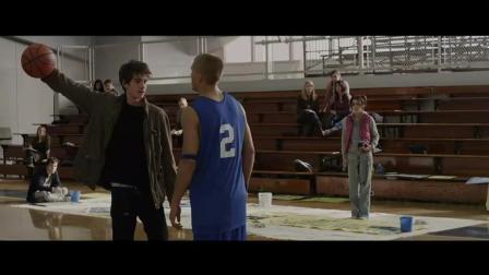 遇到凶恶球霸单挑篮球, 请当着他女人的面这样怼他!