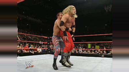 刀锋艾吉用血的教训换来的冠军, 遭HHH暴打大力折叠!