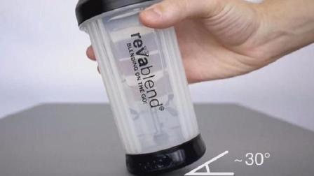 世界最小的榨汁机, 靠人力不用电, 摇一摇就能喝到鲜榨果汁