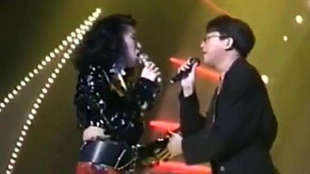 梅艳芳、王菲情歌对唱, 再也看不到这样的场面了