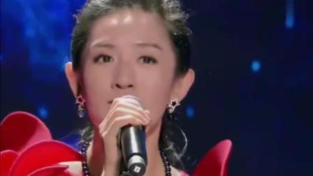 谢娜深情一曲《红豆》, 现场落泪感动全场
