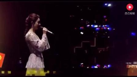 有请李易峰和赵丽颖为大家唱首歌, 欢迎!