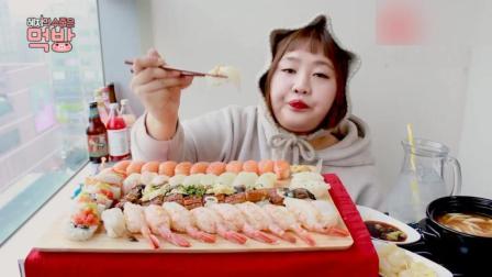 韩国胖妹杨慧吃寿司、乌冬面, 妹子吃的太陶醉了