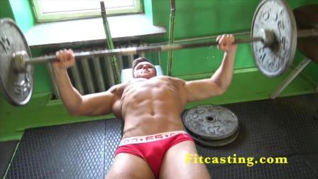 健身日常——看欧美帅哥如何锻炼完美肌肉!