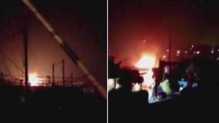广西: 一渔船起火现场浓烟滚滚 女婴及母亲不幸遇难