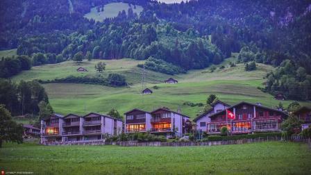 瑞士: 只要在这定居就奖励50万, 送别墅! 中国: 那也没人去!