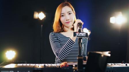 美女弹唱谢安琪粤语《喜帖街》细细的品味, 超好听的励志歌曲