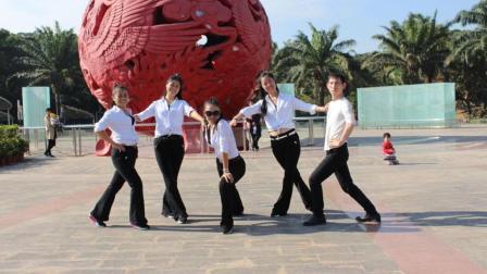 女神变女汉子跳团队版鬼步舞! 《众人划桨开大船》凤凰香香广场舞