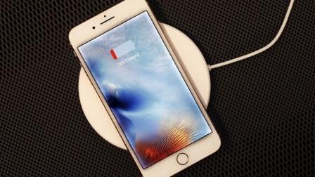 库克:手机限制性能的选择权交给你们 后果苹果不负责