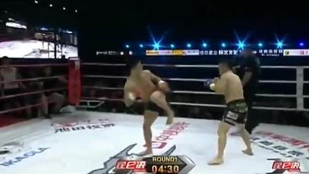 韩拳王藐视中国! 惨遭杨建平飞膝击倒疯狂补拳, 韩国观众被吓了!