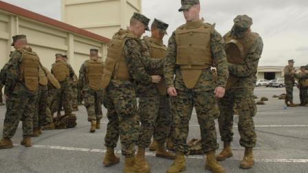 实际作战中士兵为啥不穿防弹衣? 看完才知道其中秘密