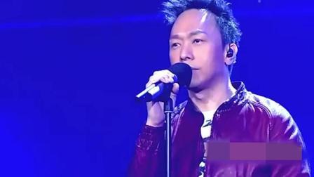 黄家强: 已故歌手黄家驹的弟弟, 一曲《光辉岁月》唱哭所有人