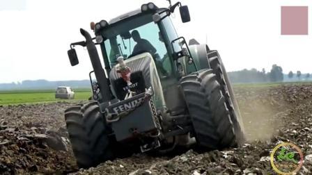 土地深耕, 把老黄泥都梨出来了, 连机器都显得好吃力