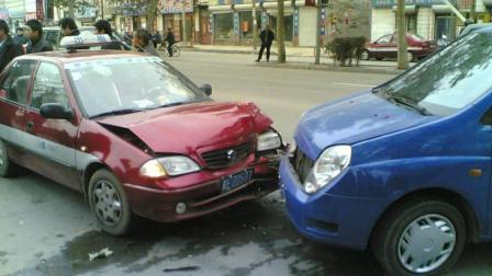 私家车撞了, 别犯迷糊, 老司机教你如何处理, 这样自己才不会吃亏