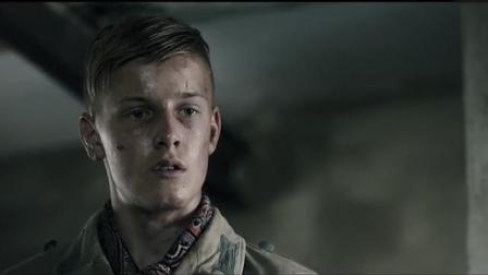 《地雷区》霍夫曼首次莫尔,战俘少年遭饥饿折磨