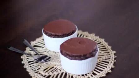 美味的巧克力蛋糕点心制作方法