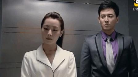帅哥在电梯里撩妹, 看完不得不服!