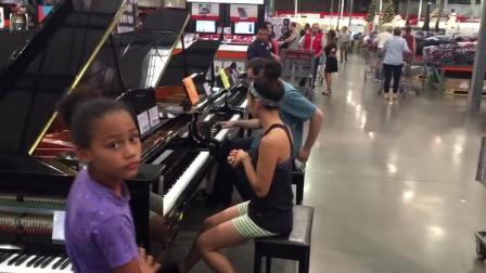 在超市里两位路人即兴演奏阿黛尔冠军单曲, 太惊艳了