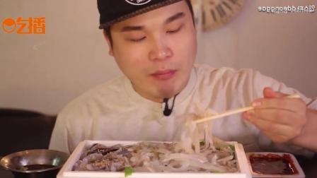 韩国的生鱿鱼丝有多好吃? 用生菜一包好吃到爆