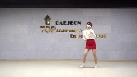 00后萌妹子舞蹈模仿TWICE-KNOCK KNOCK