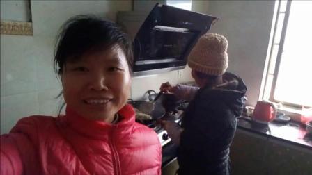 中国美食吃播: 糯米饭 美食生活 边吃边聊话炒糯米饭 吃货爱上老妈炒的糯米饭