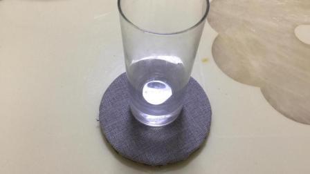 家里不要的光盘别扔了, 改装下就是一个不错的小杯垫