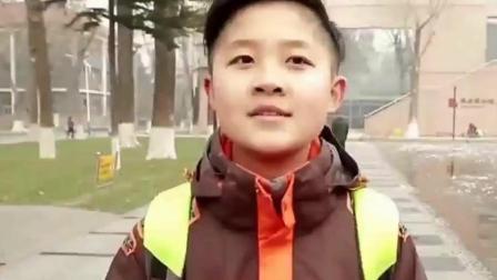 """马伊琍""""儿子""""现19岁只有1.1米, 看上去像八九岁孩子, 太心酸了"""