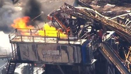 美国一天然气井钻机发生爆炸 5人失踪