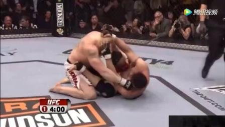 WWE 布洛克莱斯纳在UFC最霸气的几场比赛 真正的半兽人