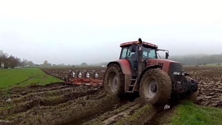 四驱拖拉机在田里打滑, 怪不得要装大车轮