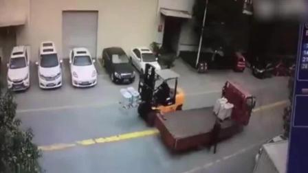 命大 男子遭货车撞倒碾压奇迹生存