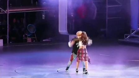 鹿晗在韩国时期和宝儿跳的这段舞太帅气, 同台这段尬舞超酷