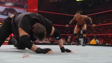 WWE总裁对战兰迪奥顿, 全家人出动惨遭沦陷, 巴蒂斯塔出场横扫擂台